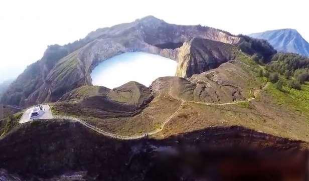 Gambar wisata di danau-kelimutu-Nusa-tenggara-timur