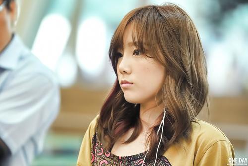 {120701} Taeyeon @ Incheon Airport Tumblr_m6gtt9Zfod1roni8jo1_500