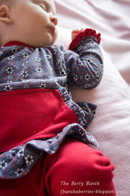 The Berry Bunch: Sewing Mama RaeAnna's Cupcake Top