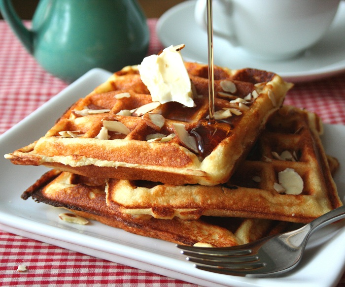 Almond Flour Yogurt Waffles (Low Carb and Gluten Free) | All Day I ...