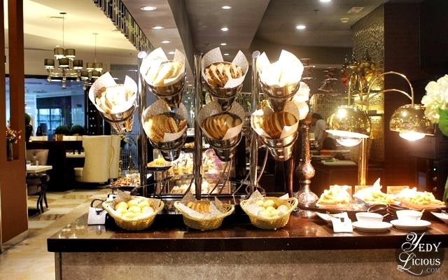 Bread Selections at NIU by Vikings Buffet