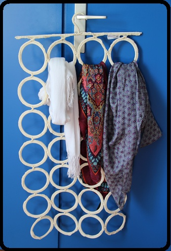 astuce rangement 2 charpes et foulards lady bretonne. Black Bedroom Furniture Sets. Home Design Ideas