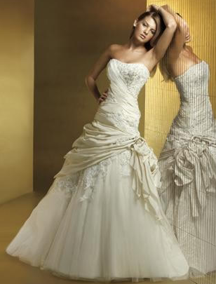 Wonderful Picking A Perfect Wedding Dresses For Petite Women  Real Photo