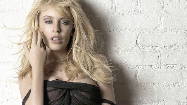 Kylie Minogue Hot Singer