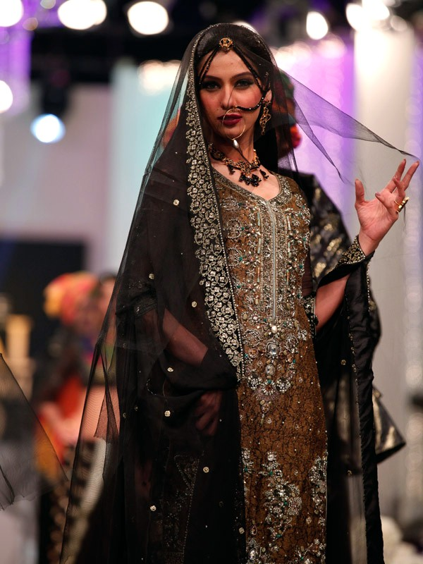 Chicboutique Style 360 Bridal Couture Week 2011 12 At