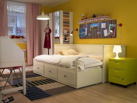Cosiendo con mi blythe la habitaci n blanca un div n - Ver camas en ikea ...