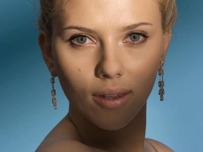 Scarlett Johansson Hollywood Actress hot lips Wallpaper