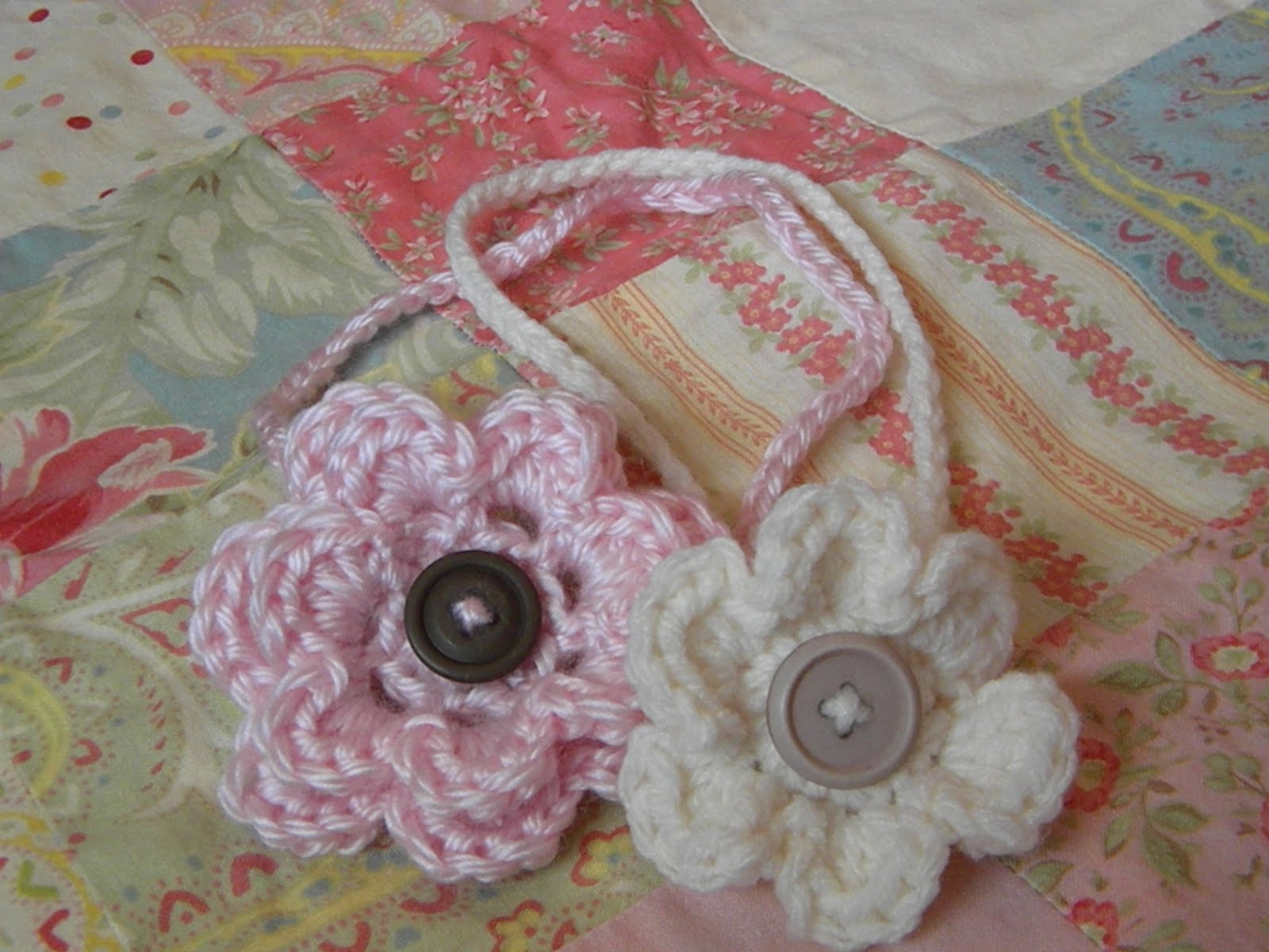 Crochet Flowers Patterns Headbands : Knotty Knotty Crochet: Little Lizzys Headband FREE PATTERN