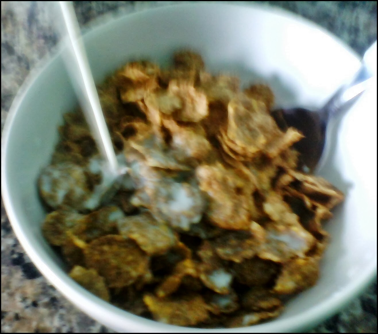 cereal integral rico em fibras minerais, 8 vitaminas.