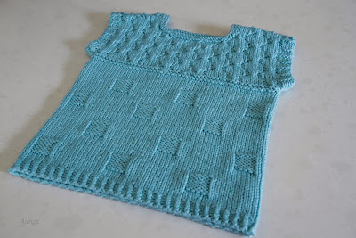 http://www.ravelry.com/projects/Auriga/polka-dot