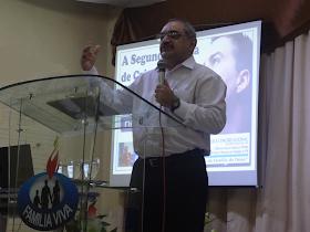 Ministrando a Palavra de Deus na IEC Família Viva em 23/02/2014