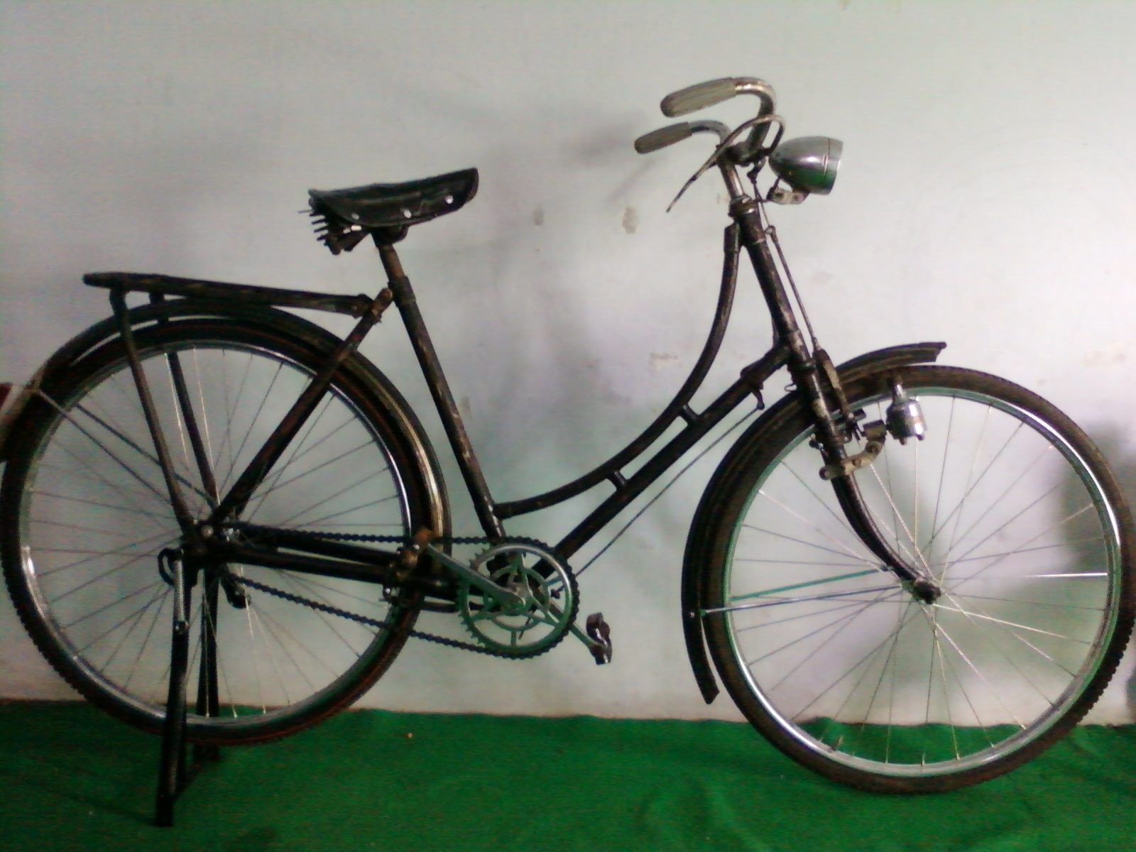 GROUP ONTHEL SMK ISLAM PEMALANG: Koleksi Sepeda Onthel