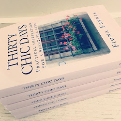 Thirty Chic Days - the book