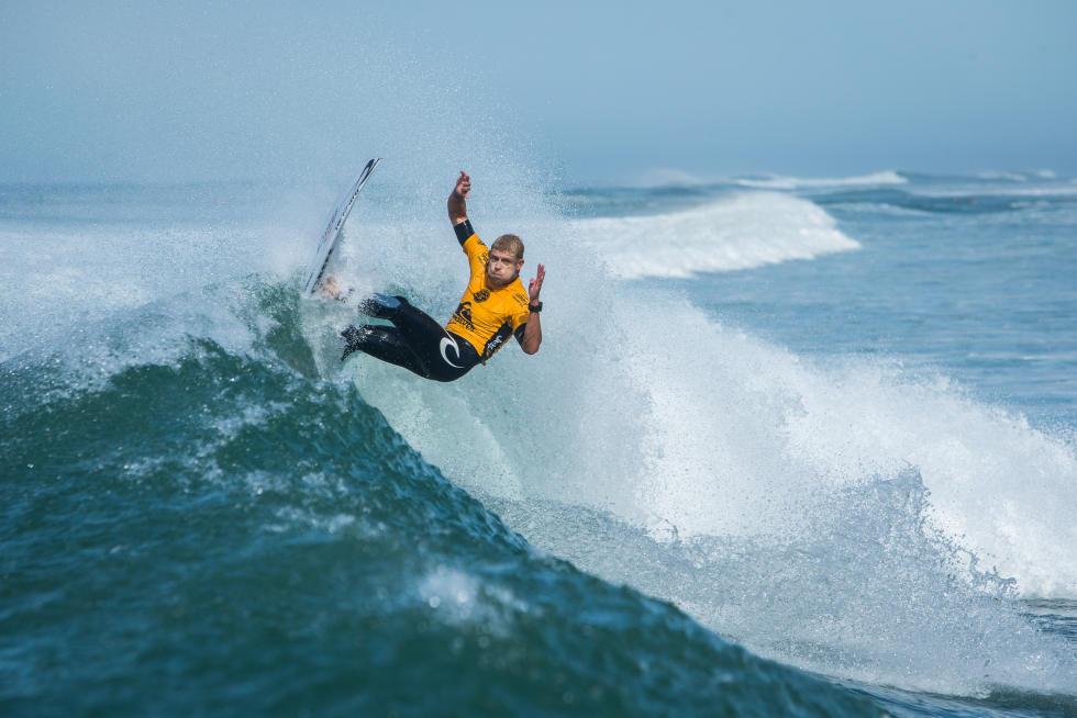 15 Mick Fanning AUS 2015 Quiksilver Pro France Fotos WSL Poullenot Aquashot