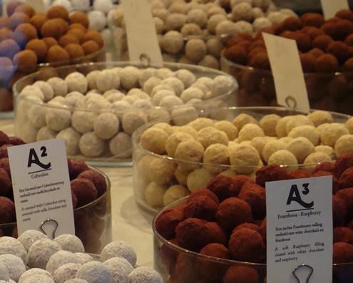 Chocolade truffels in Leuven, Antoine   Happy in Red