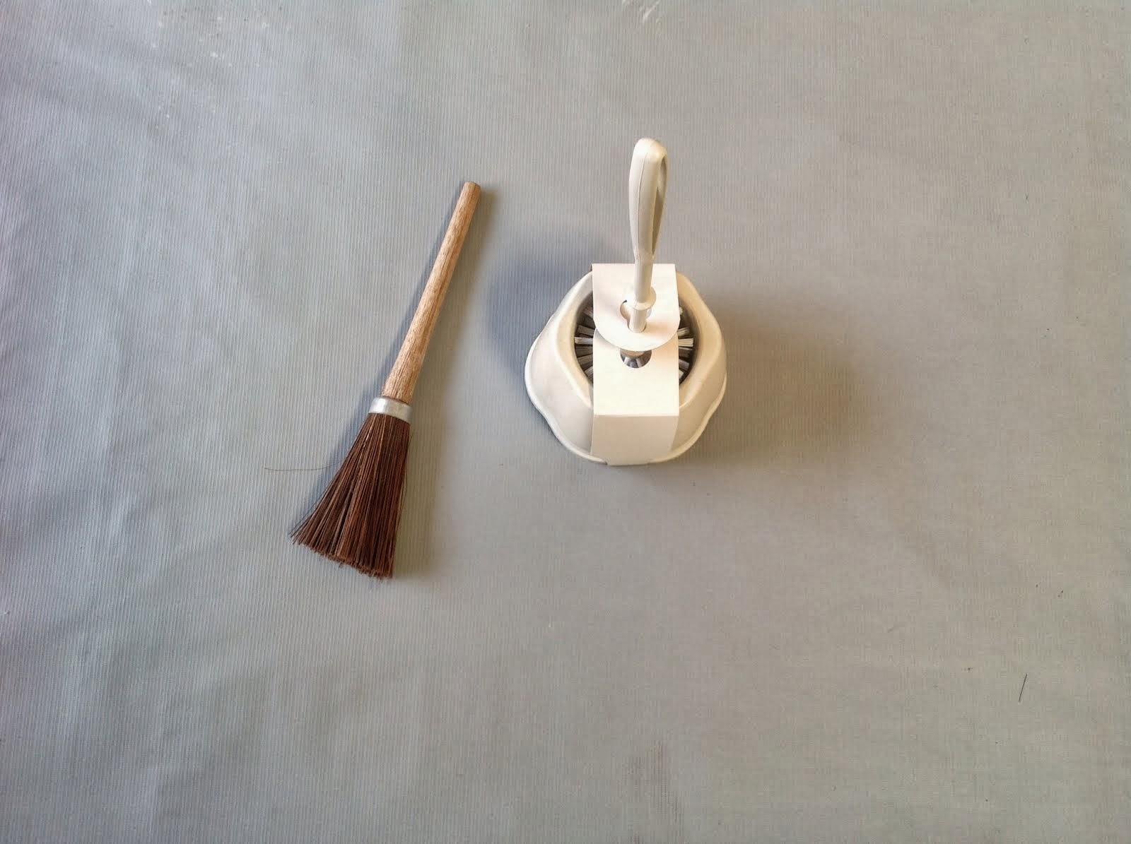 Escova sanitária piaçava e Escova sanitária com bojo