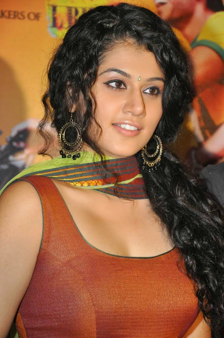 Actress Tapsee New Hot Gallery Latest Photos Movie