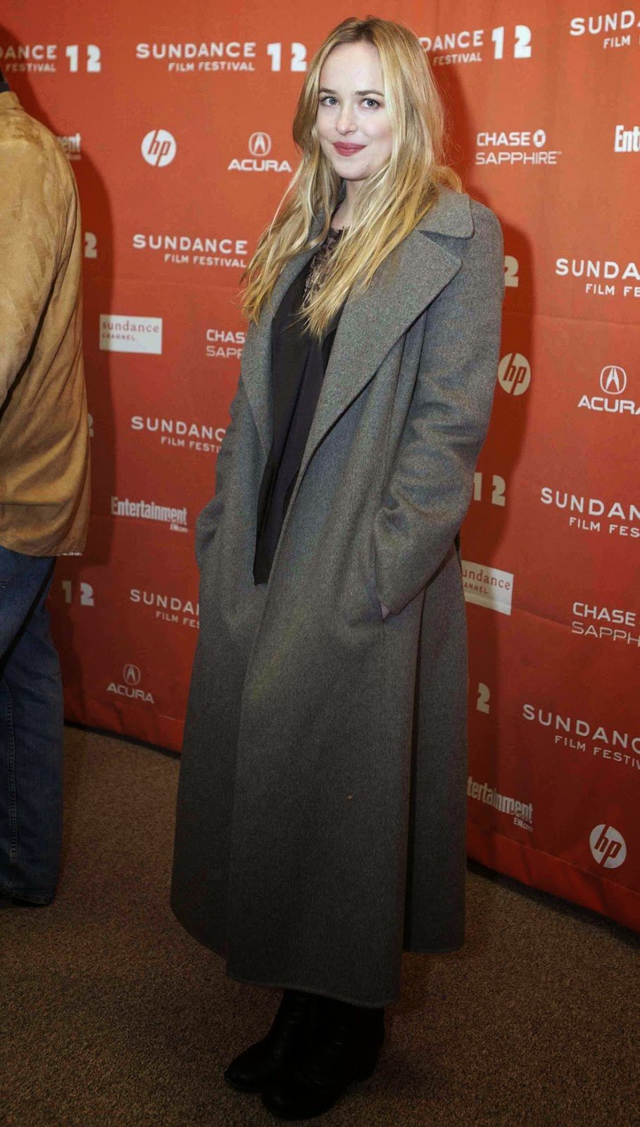 Fotos HQ Ineditas! Dakota Johnson en el Sundance Film Festival- 24 Enero 2012