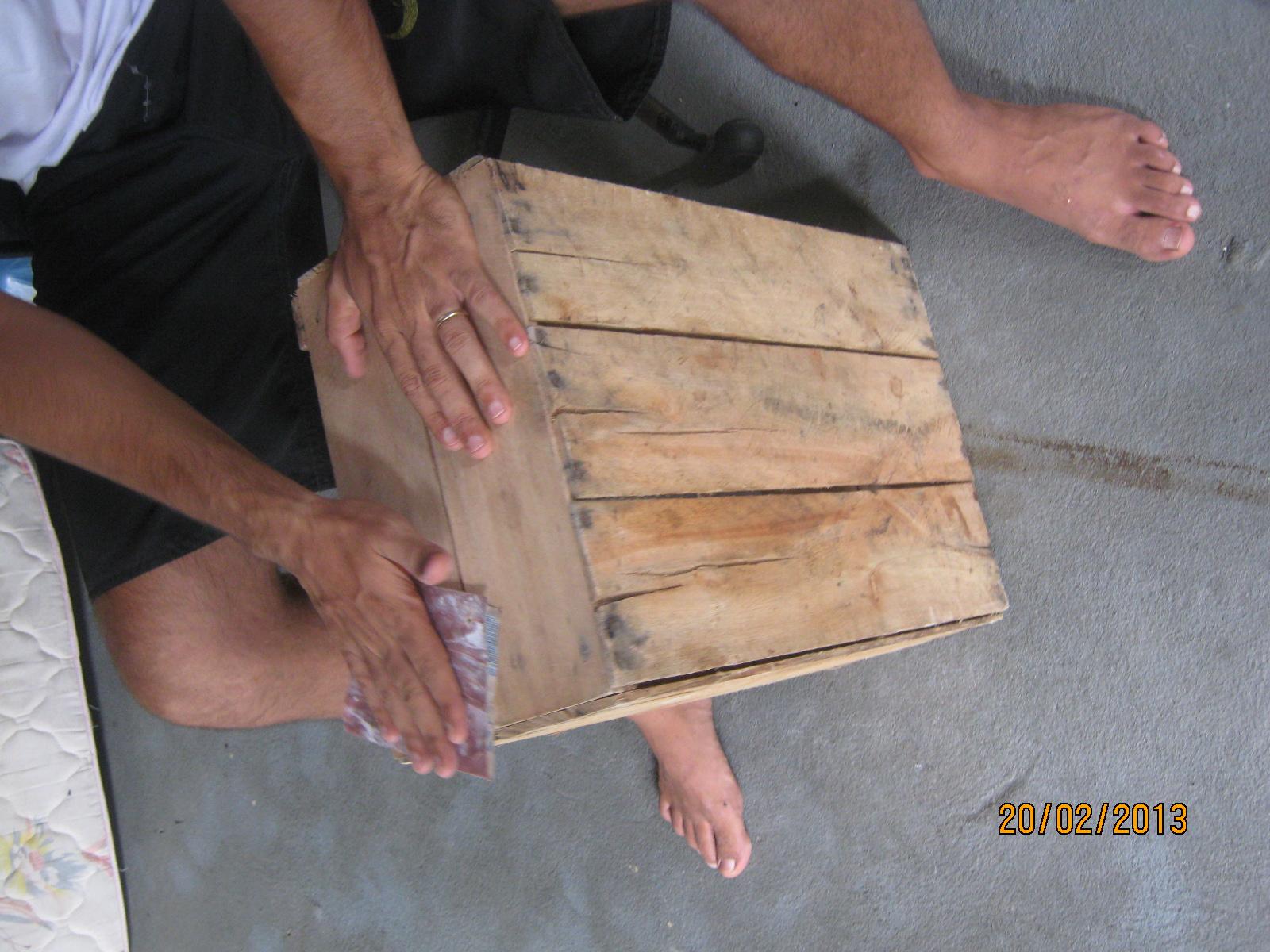 Criando ComCiência: FAÇA EM CASA: Estante de madeira #8A6341 1600x1200