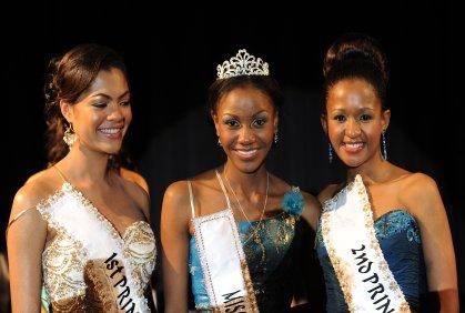 miss botswana 2011 winner karabo sampson
