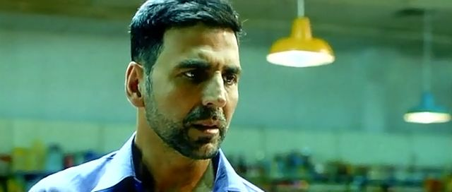 Screenshot Of Watch Online Airlift Full Movie Download Free DVDScr HQ