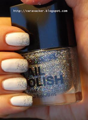 naglar, nails, nagellack, nail polish, vitt, white, glitter, gradient