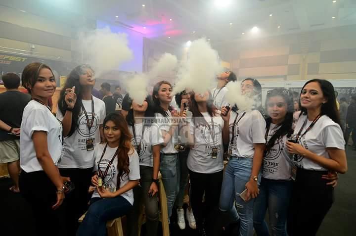 sultan johor bertitah haramkan vape mulai 1 jan 2016 aakjSultan Johor Haramkan Penggunaan Vape #8