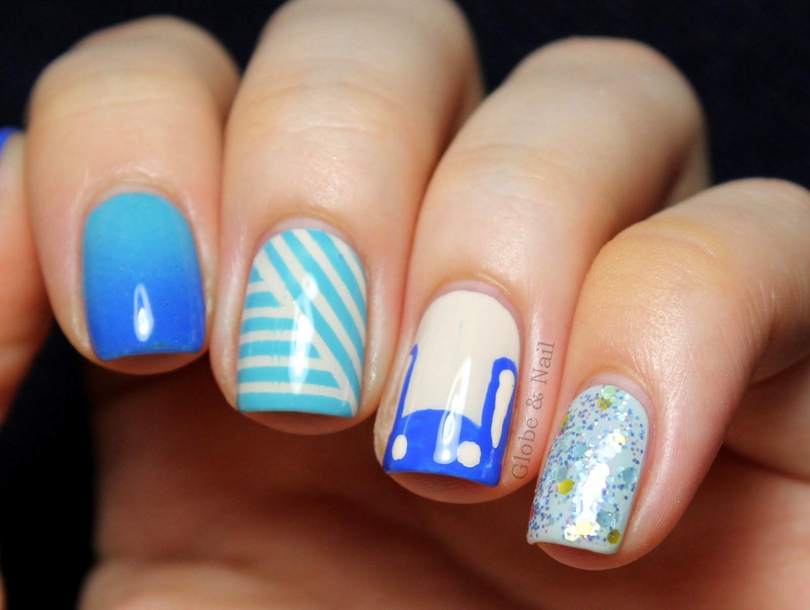 Globe nail le bunny bleu skittle nail art - Nail art bleu ...