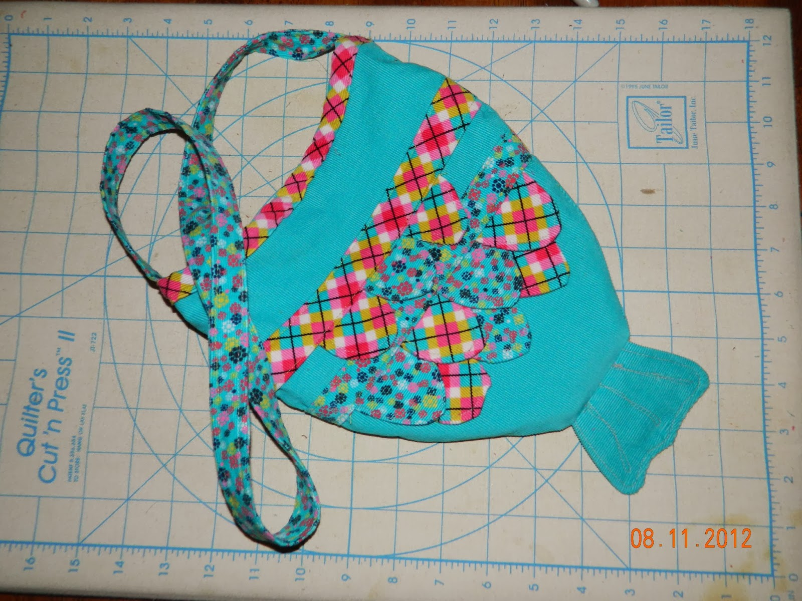 Gmhn quilts by penny doucette fish purse pdf sewing pattern fish purse pdf sewing pattern jeuxipadfo Image collections