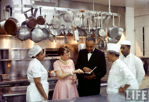 1950s Thanksgiving pie recipe photo Mamie in the White House Kitchen