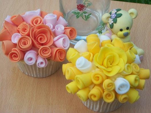 wedding food ideas floral Wedding Cupcakes