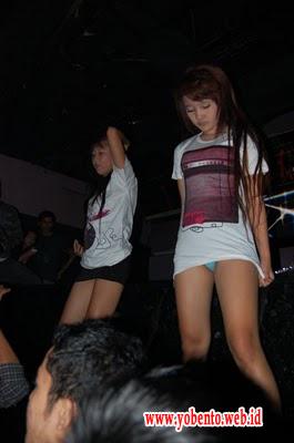 Foto Seksi ABG Bandung di Diskotik