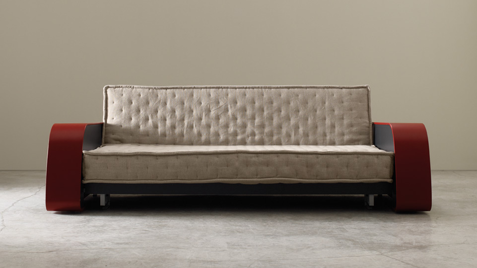 Cool gadgets adele cassina unity of craftsmanship technological quality - Divano letto cassina ...