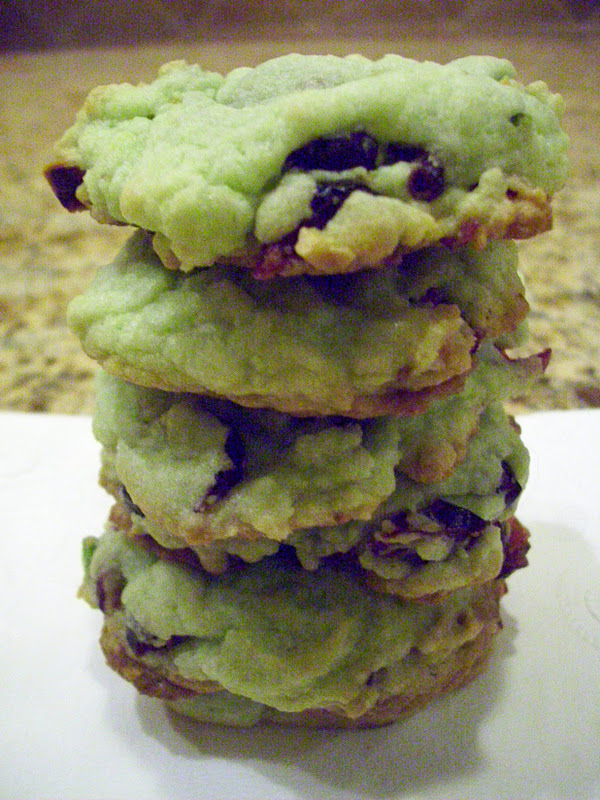 Flavors by Four: Christmas cookie #2 - Cranberry Pistachio Cookies