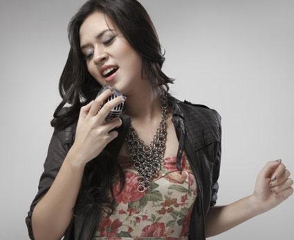 Raisa Andriana On Pinterest Female Singers Singers And Jazz