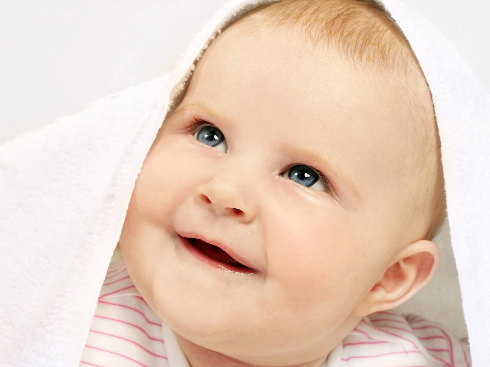 http://2.bp.blogspot.com/-XALxh3Fzo50/T1Kj4tCc9gI/AAAAAAAAASo/CrBeCAtsZTo/s1600/cute-baby-wallpaper-7.jpg