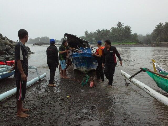 Speed Boat Tagana Bantaeng Terbalik
