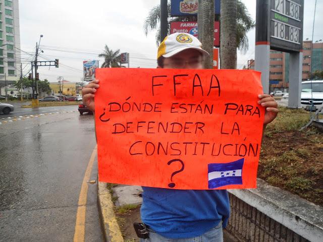 Constitución hondureña maltratada