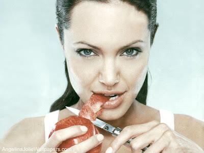 angelina jolie with yummy apple