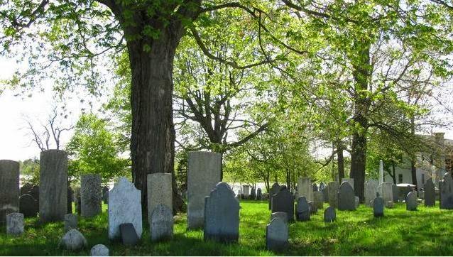 Un fantasma fue' arrestado en un cementerio