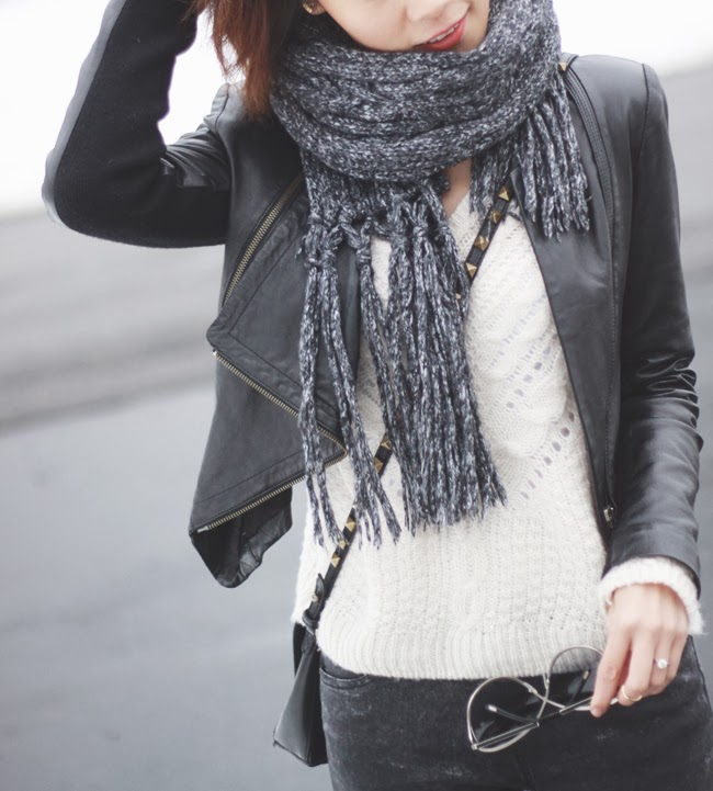 winter style, black leather jacket, grey scarf, Zara black studded bag, hm white knit sweater, nine west black boots, tom ford sunglasses, blogger winter look, fashion blogger, street style, ootd, ponytail hair style