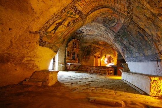 imagen_merindades_burgos_paraiso_ideas_norte_travel_visit_spain_ermita_san_bernabe_ojo_guareña