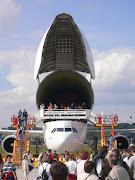 Pada Oktober 2010, Airbus memperkirakan pesawat ini akan disertifikasi pada . (beluga airbus )