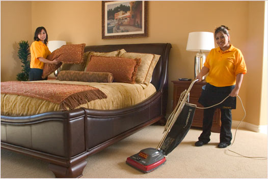 Dr house cleaning how to clean your bedroom for Clean bedroom pictures