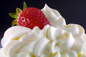 Ingin membuat whipped cream sendiri, yuk baca resepnya di resepkueta