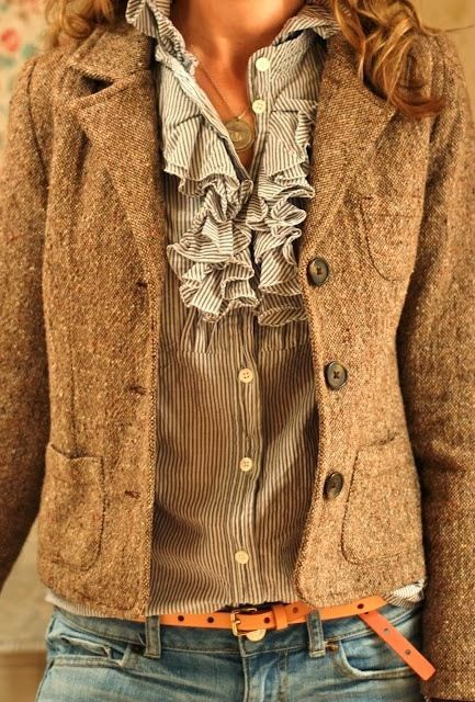 Amazing brown jacket and shirt for fall