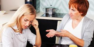 5 Tipe Wanita Yang Buat Mertua Sensara