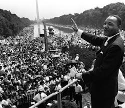 """""""Nada se olvida más despacio que una ofensa; y nada más rápido que un favor"""".(Martin Luther King)"""