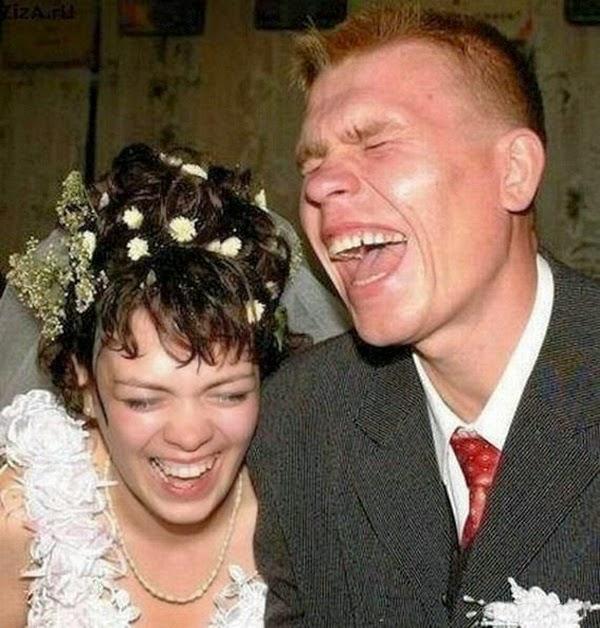 أطرف صور العروسين في حفلات الزفاف  Funny-wedding-photos-08