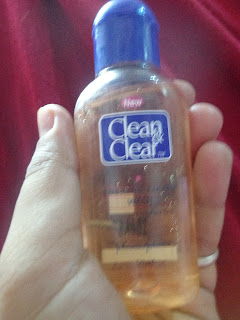 Clean and Clear Foaming Facial Wash Review